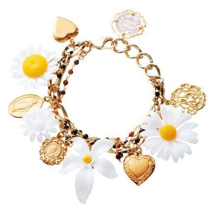 Yellow, Jewellery, Fashion accessory, Natural material, Amber, Body jewelry, Fashion, Art, Bridal accessory, Gold,