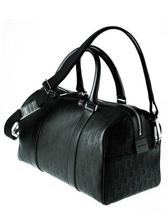 Product, Bag, White, Style, Monochrome photography, Black-and-white, Luggage and bags, Fashion, Leather, Shoulder bag,