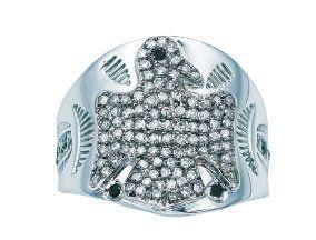 Dishware, Gemstone, Serveware, Silver, Natural material, Diamond, Serving tray,