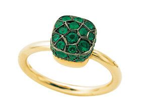 Jewellery, Amber, Teal, Natural material, Aqua, Colorfulness, Turquoise, Body jewelry, Circle, Metal,