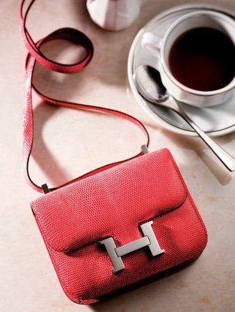 Serveware, Coffee cup, Drinkware, Cup, Red, Drink, Dishware, Tea, Ingredient, Tableware,