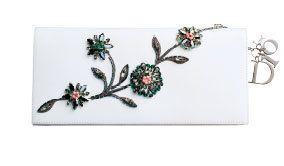 Petal, Branch, Flower, White, Botany, Flowering plant, Creative arts, Pedicel, Twig, Floral design,