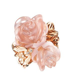 Artificial flower, Heart, Liver, Hair accessory, Bridal accessory, Peach, Still life photography, Drawing, Cut flowers, Knot,