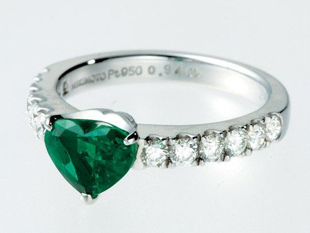 Jewellery, Green, Photograph, Fashion accessory, Aqua, Natural material, Teal, Body jewelry, Fashion, Macro photography,