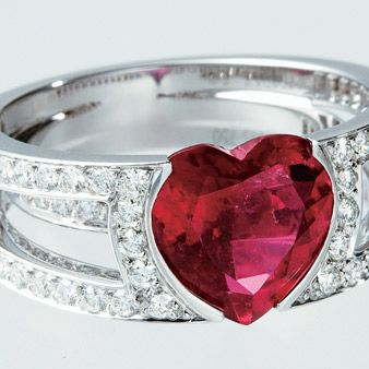 Jewellery, Red, Photograph, Pink, Amber, Fashion accessory, Metal, Magenta, Beauty, Macro photography,