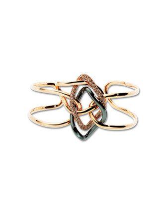 Symbol, Font, Metal, Body jewelry, Jewellery, Pendant, Cross, Circle, Silver, Brooch,