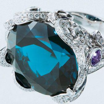 Blue, Jewellery, Fashion accessory, Teal, Aqua, Natural material, Macro photography, Gemstone, Mineral, Diamond,