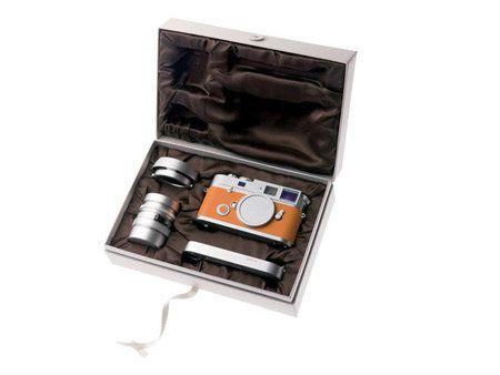 Rectangle, Silver, Box, Wallet, Copper, Eye shadow,