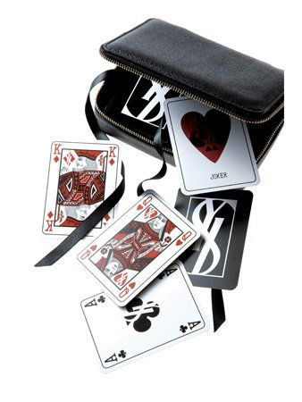 Carmine, Games, Symbol, Card game, Rectangle, Wallet, Indoor games and sports, Gambling, Heart,