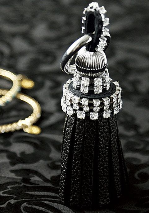 Black, Jewellery, Fashion accessory, Black-and-white, Silver, Dress, Monochrome photography, Photography, Diamond, Necklace,