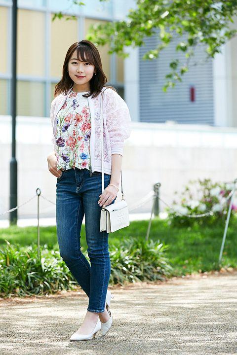Clothing, White, Jeans, Photograph, Street fashion, Footwear, Snapshot, Beauty, Denim, Fashion,