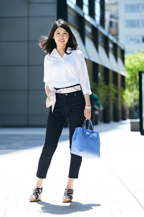Clothing, White, Street fashion, Waist, Jeans, Shoulder, Fashion, Fashion model, Footwear, Neck,
