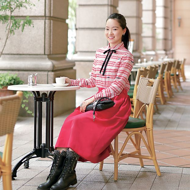 Clothing, Pink, Sitting, Waist, Shoulder, Street fashion, Joint, Fashion, Leg, Footwear,