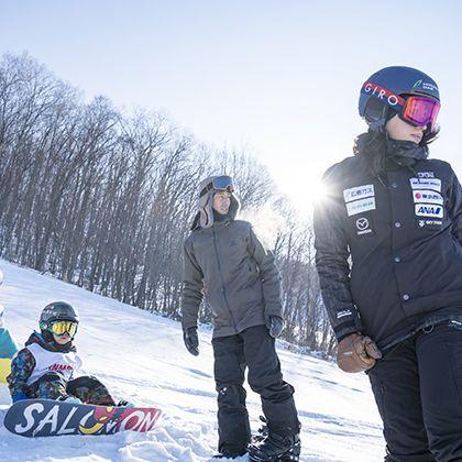 Snow, Winter, Snowboarding, Slopestyle, Helmet, Winter sport, Recreation, Fun, Snowboard, Ski,