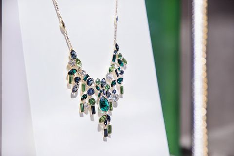 Green, Jewellery, Necklace, Fashion accessory, Blue, Body jewelry, Aqua, Emerald, Earrings, Chain,