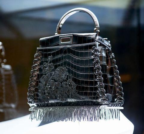 Handbag, Bag, Fashion accessory, Birkin bag, Fashion, Silver, Kelly bag, Design, Material property, Leather,
