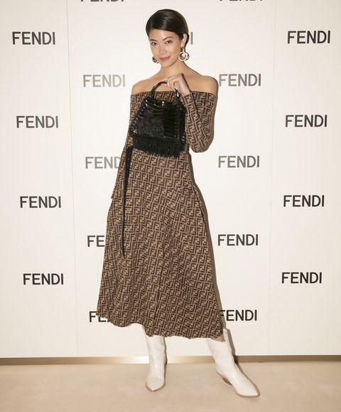 Clothing, Fashion model, Dress, Shoulder, Fashion, Cocktail dress, Waist, Fashion design, Footwear, Formal wear,