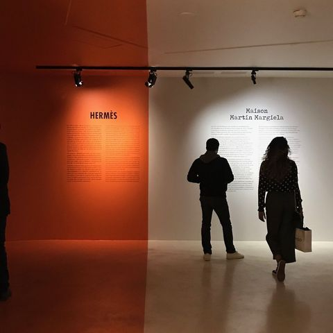 Standing, Tourist attraction, Line, Museum, Art, Visual arts, Art gallery, Shadow, Exhibition,