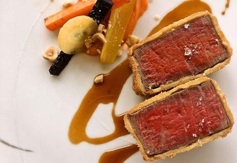 Dish, Food, Cuisine, Tataki, Ingredient, Meat, Kobe beef, À la carte food, Beef tenderloin, Beef wellington,