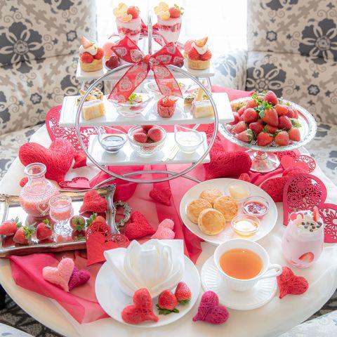 Food, Cuisine, Sweetness, Dish, Finger food, Dessert, Table, Tableware, Brunch, Strawberry,