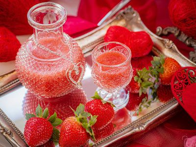 Food, Strawberries, Punch, Ingredient, Strawberry, Fruit, Strawberry juice, Drink, Cuisine, Dish,