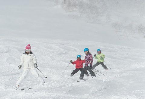 Skier, Snow, Ski, Skiing, Winter sport, Ski Equipment, Winter, Recreation, Ski cross, Freestyle skiing,