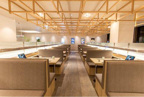 Interior design, Ceiling, Fixture, Hall, Beige, Plywood, Engineering, Light fixture, Daylighting, Beam,