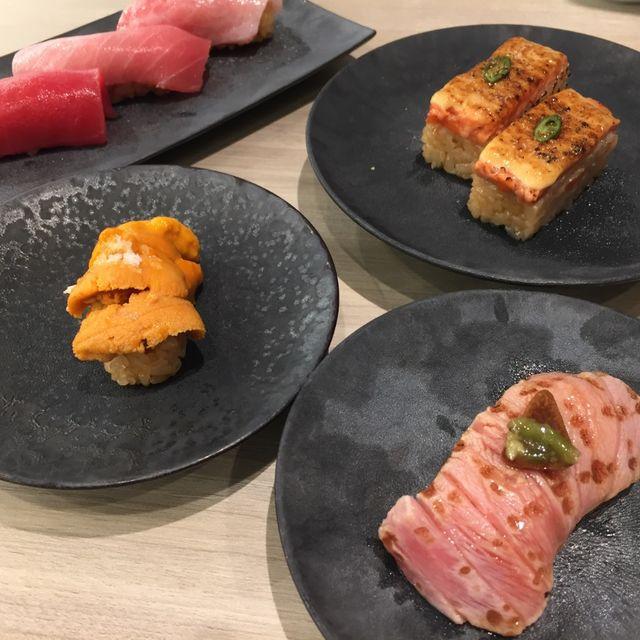 Dish, Food, Cuisine, Ingredient, Smoked salmon, Meat, Recipe, appetizer, Brunch, Tataki,