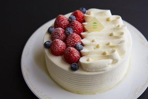Food, Cake, Dessert, Dish, Buttercream, Cream, Cuisine, Whipped cream, Icing, Torte,
