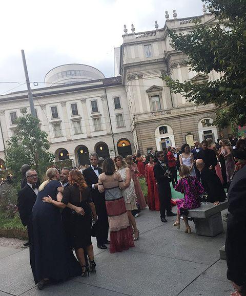 Event, Ceremony, Wedding, Dress, Tourism, Crowd, Tradition, Formal wear, Wedding dress, Building,
