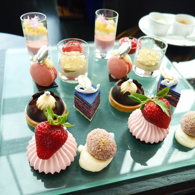 Food, Brunch, Dish, Cuisine, Dessert, Sweetness, Pâtisserie, Petit four, Ingredient, Cupcake,