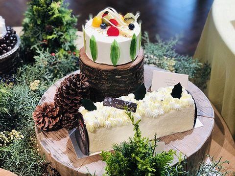 Cake, Buttercream, Food, Cake decorating, Torte, Dessert, Icing, Cuisine, Dish, Sugar paste,