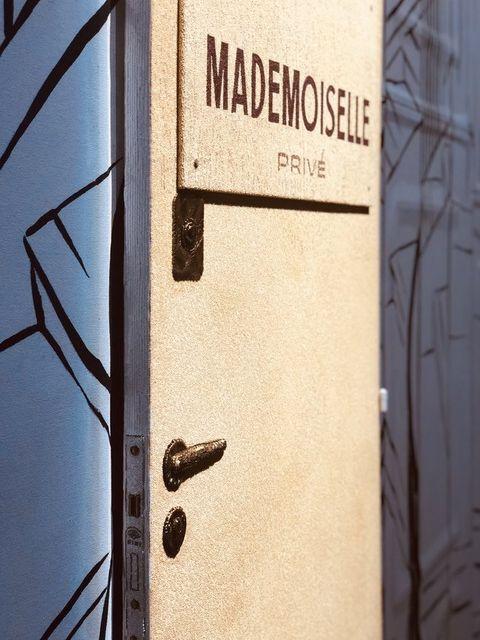 Text, Font, Number, Door, Metal, Wood, Door handle, Signage,