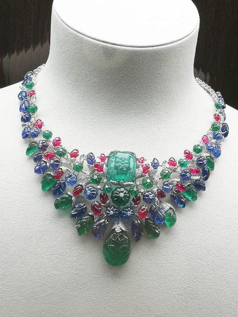 Jewellery, Necklace, Green, Fashion accessory, Body jewelry, Emerald, Gemstone, Neck, Bead, Jewelry making,
