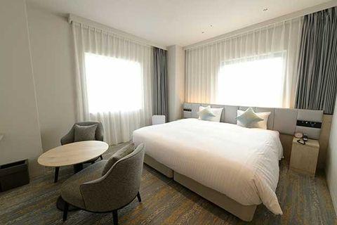 Bedroom, Room, Furniture, Property, Bed, Interior design, Bed sheet, Bed frame, Suite, Building,
