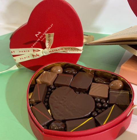 Giri choco, Honmei choco, Chocolate, Food, Heart, Valentine's day, Cuisine, Sweetness, Dessert, Bonbon,