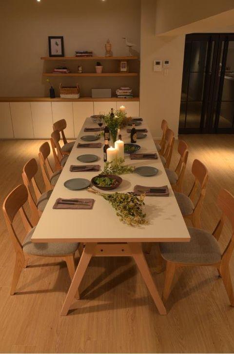 Room, Interior design, Table, Furniture, Property, Floor, Dining room, Hardwood, Flooring, House,
