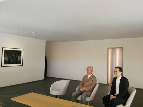 Ceiling, Room, Interior design, Sitting, Floor, Building, Furniture, Architecture, Office, House,
