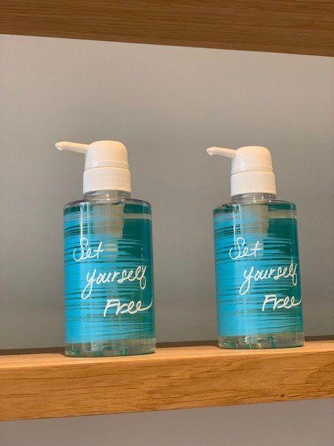 Liquid, Fluid, Blue, Product, Teal, Aqua, Plastic bottle, Turquoise, Bottle, Tints and shades,