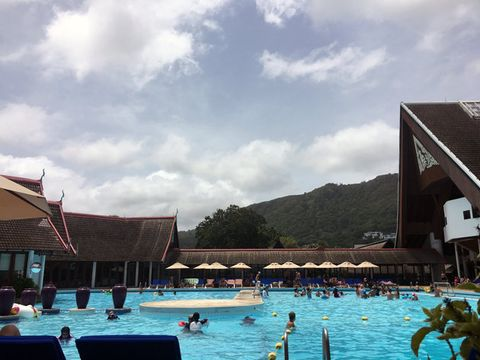 Swimming pool, Sky, Resort, Vacation, Leisure, Tourism, Summer, Resort town, Cloud, Leisure centre,