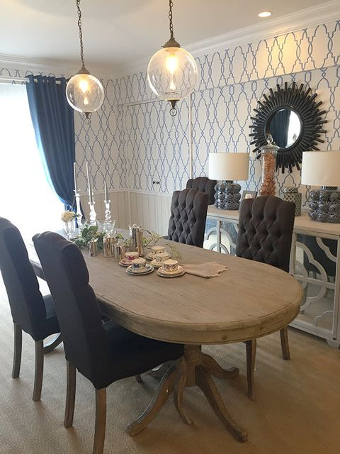 Dining room, Room, Furniture, Interior design, Property, Table, Kitchen & dining room table, Floor, Lighting, Chair,
