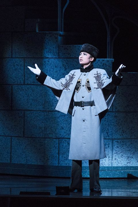 Uniform, Performance, Performing arts, Outerwear, Stage, Coat, heater, Trench coat, Musical, Drama,