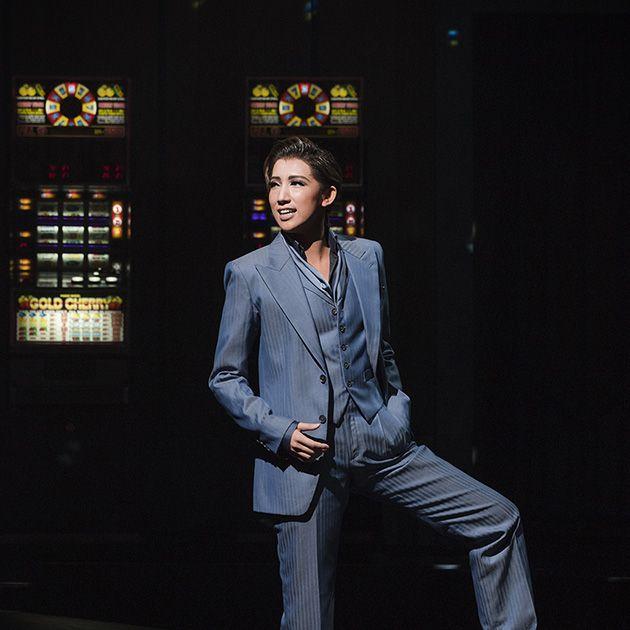 Suit, Fashion, Formal wear, Denim, Photography, Performance, Night, Flash photography,