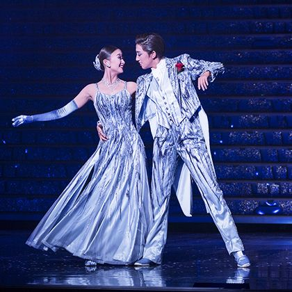 Entertainment, Performing arts, Performance, Dance, Dancer, Performance art, Choreography, Stage, Concert dance, Event,