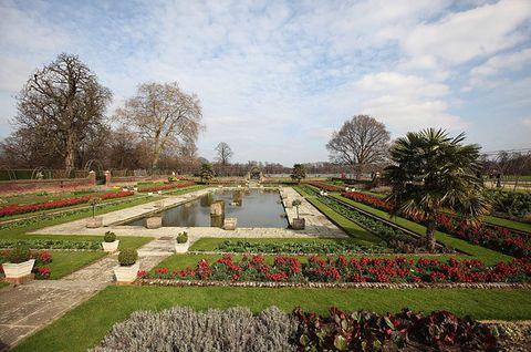 Garden, Sky, Botany, Tree, Botanical garden, Spring, Architecture, Grass, Landscape, Plant,
