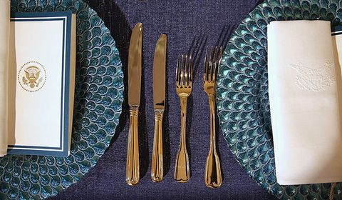 Dishware, Textile, Cutlery, Tableware, Fork, Serveware, Kitchen utensil, Knife, Linens, Home accessories,