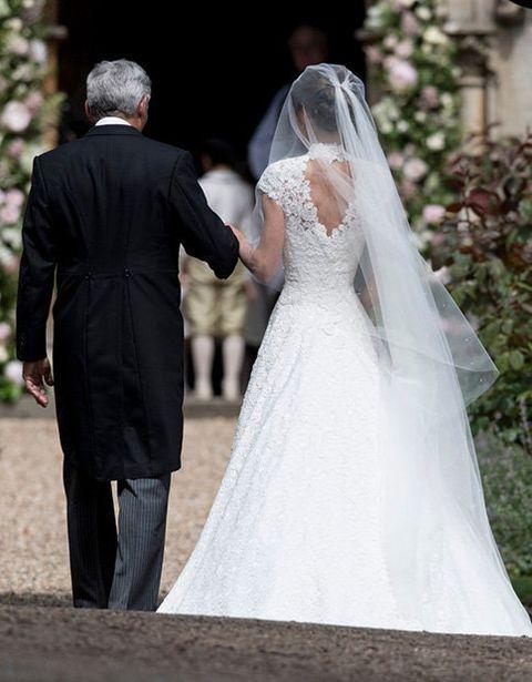 Wedding dress, Bride, Gown, Veil, Dress, Photograph, Bridal veil, Bridal accessory, Bridal clothing, White,