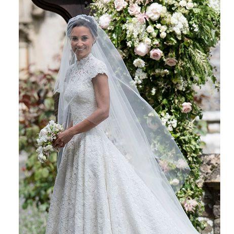 Gown, Wedding dress, Dress, Clothing, Veil, Photograph, Bride, Bridal accessory, Bridal veil, Bridal clothing,