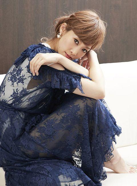 Hairstyle, Sitting, Photo shoot, Long hair, Day dress, Makeover, Embellishment, Velvet, Model, Portrait photography,