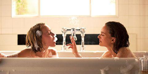 Bathing, Bathtub, Water, Skin, Jacuzzi, Fun, Plumbing fixture, Room, Vacation, Tap,